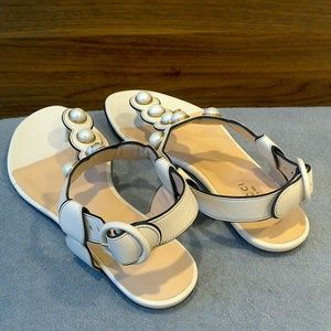 Gucci Shoes - Gucci Willow Pearly Thong Sandal size 35
